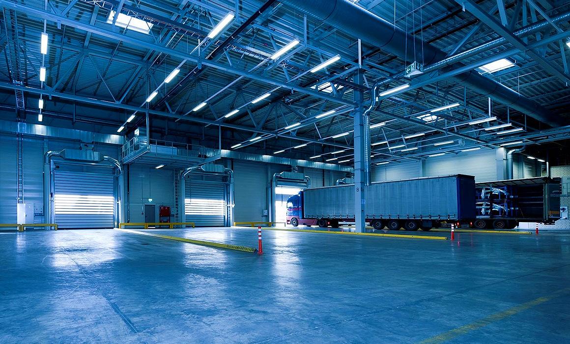 Hangar de transports routiers